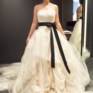 VERA WANG(ヴェラウォン)|ウェディングドレスの口コミサイト