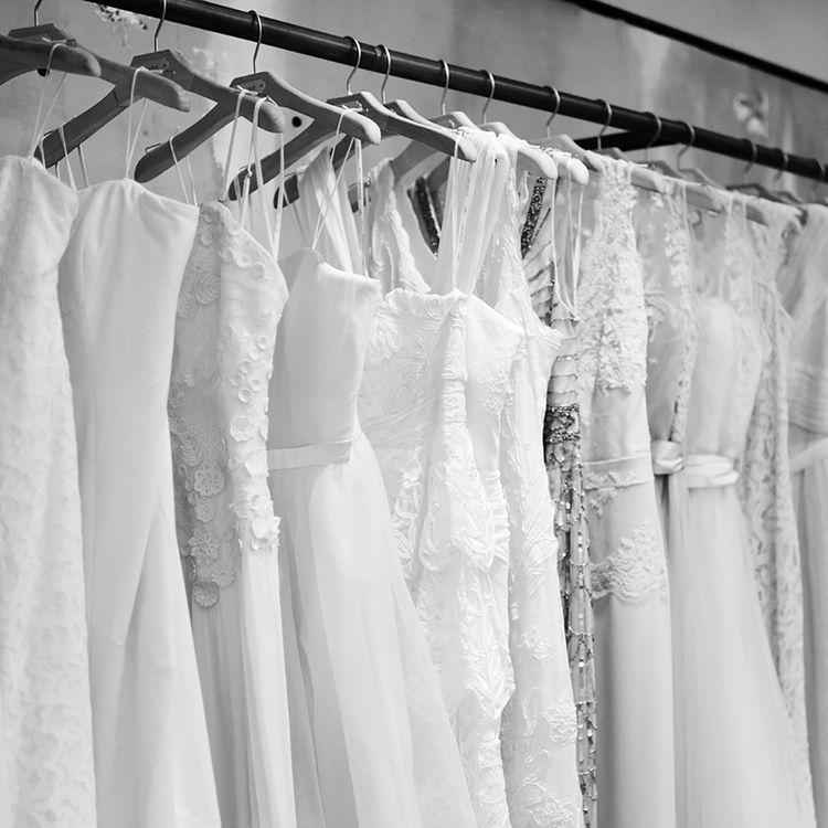WEDDING DRESS YOSHITAKE(ウエディングドレス ヨシタケ)