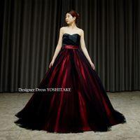 赤サテンと黒チュールのドレスを作りました。