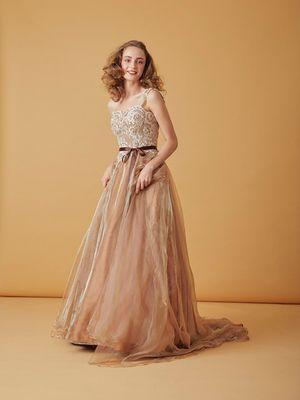 59d2d701c2f59 2ページ目)「ゴージャス」のカラードレス一覧|ウェディングドレスの ...