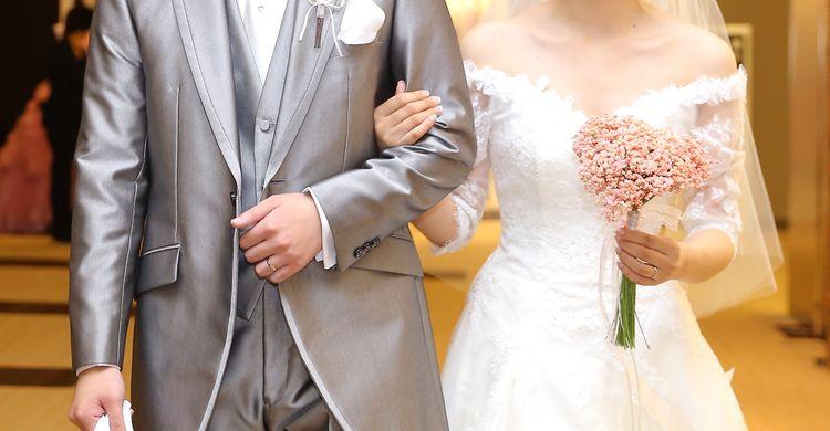 トレンドのミディ丈ウェディングドレスを着れて大満足でした!