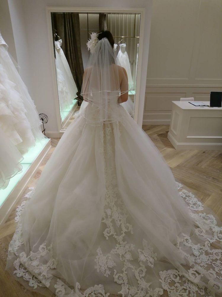 ゴージャスな白ドレス