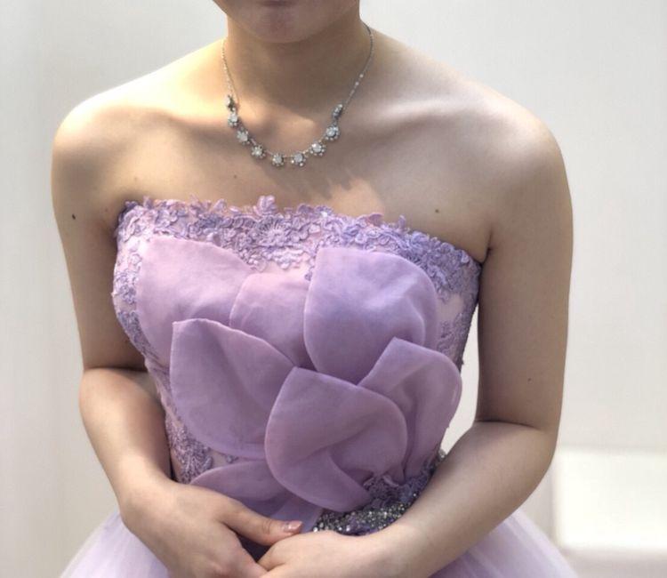 パープルの上品なカラードレス