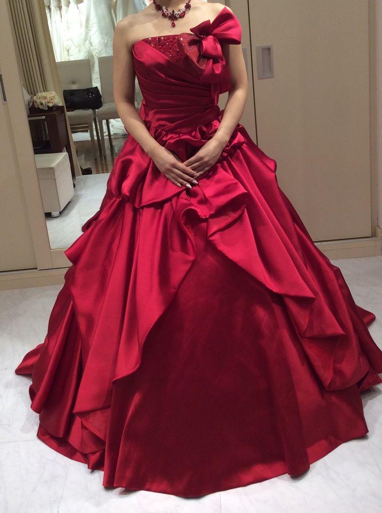 赤のプリンセスドレス