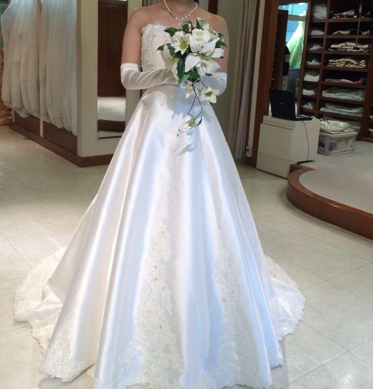 シンプルな白のドレス♡