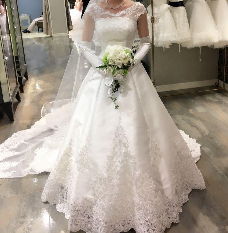 クラシカルホワイトレースドレス