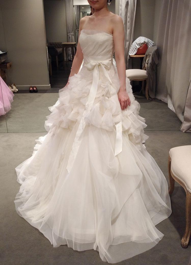 石原さとみさんがドラマで使用されたドレス