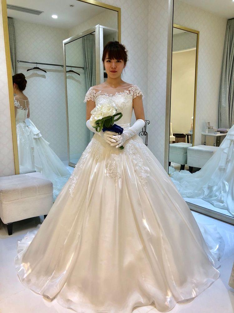 初めてのウェディングドレス