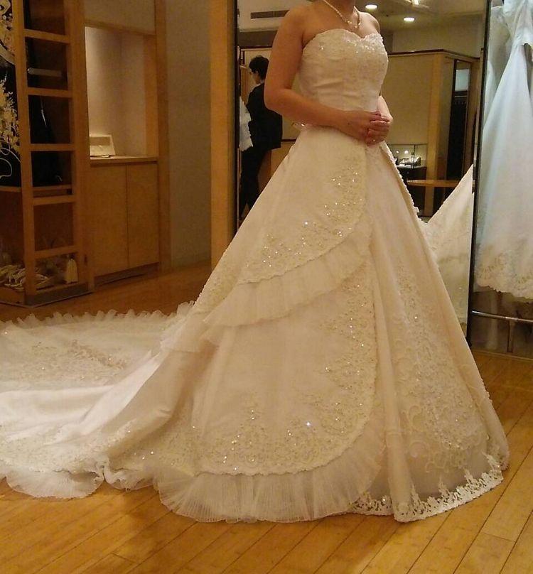 940d4c18161a4 「細部まで凝った華やかなドレス」お姫様の様な華やかなデザインに一目惚れしました。 美しいレース...口コミ・評判