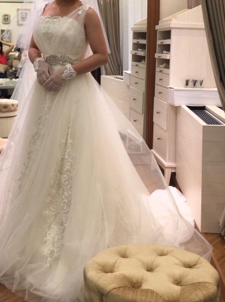 小嶋陽菜さんプロデュースのドレス