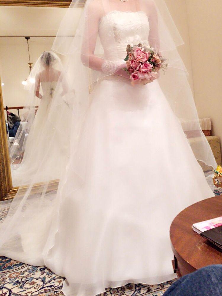 シンプル可愛い上品ウェディングドレス