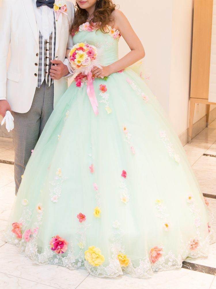 お花畑のようなドレス