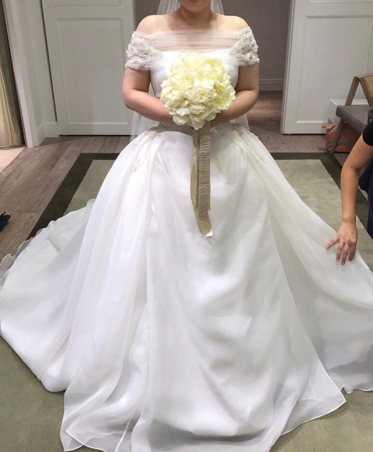 二の腕カバーのキュートなドレス