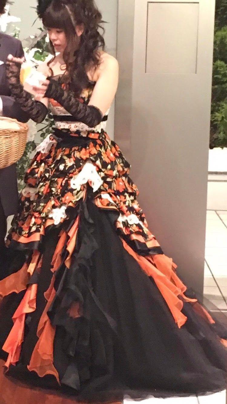 テーマはハロウィン!ちょっと珍しいオレンジ色のカラードレス!