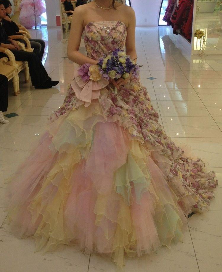 可愛らしい配色だけどお上品な雰囲気のドレス