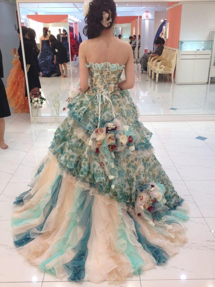 爽やかで清楚な雰囲気のドレス