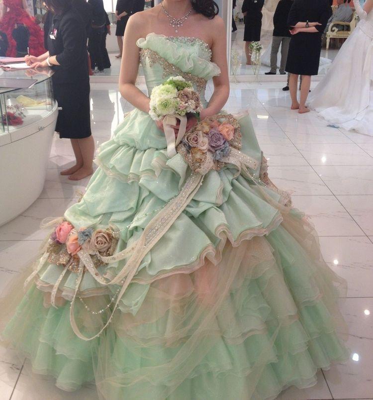 アンティークな雰囲気で中世のお姫様のようなドレス