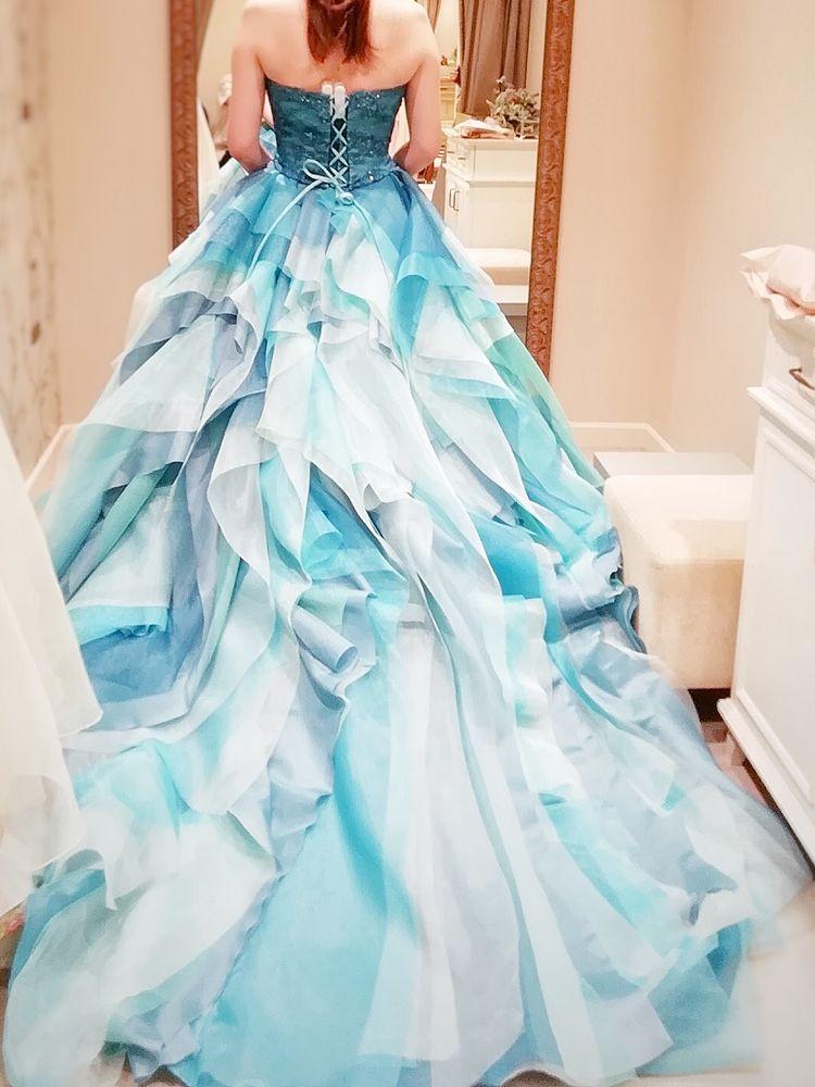 海のようなアートなドレス...♡