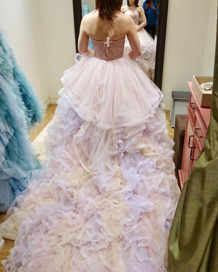 パステルカラーのプリティーなドレス