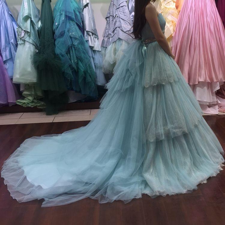 チュール素材のカラードレス