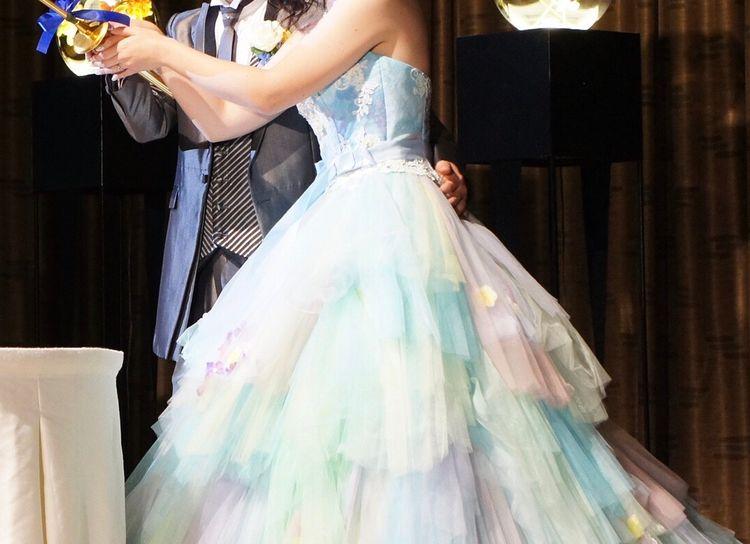 ふわっと広がる、色とりどりなドレス