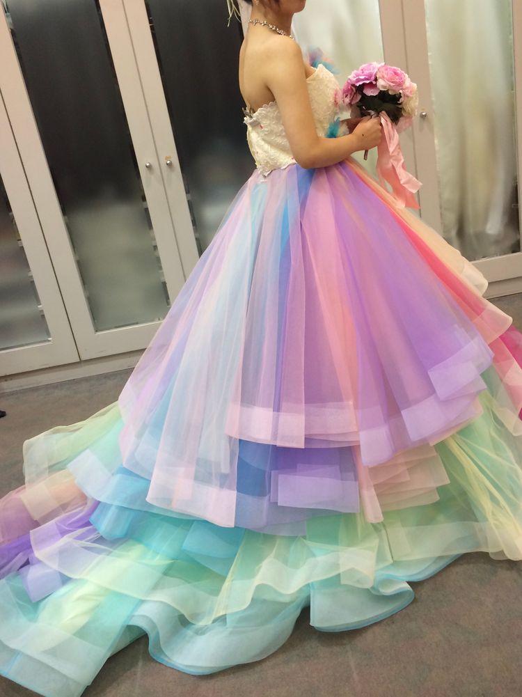 他にないドレスです