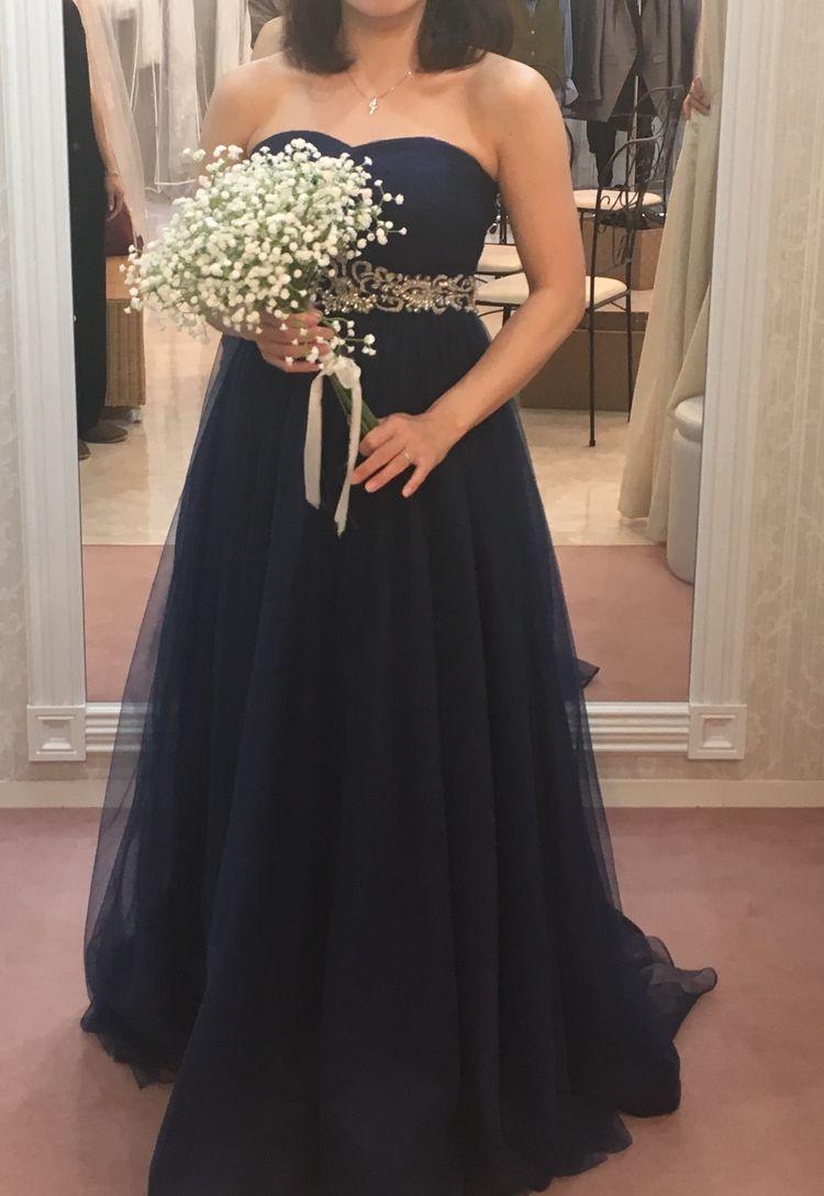 落ち着いた雰囲気のドレス