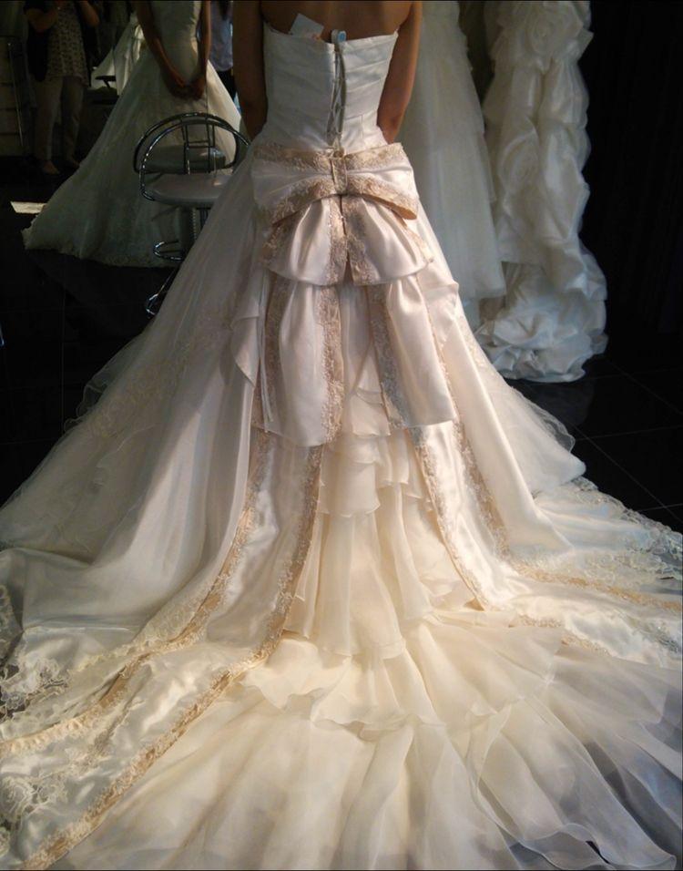 女性の憧れが詰まったウエディングドレス