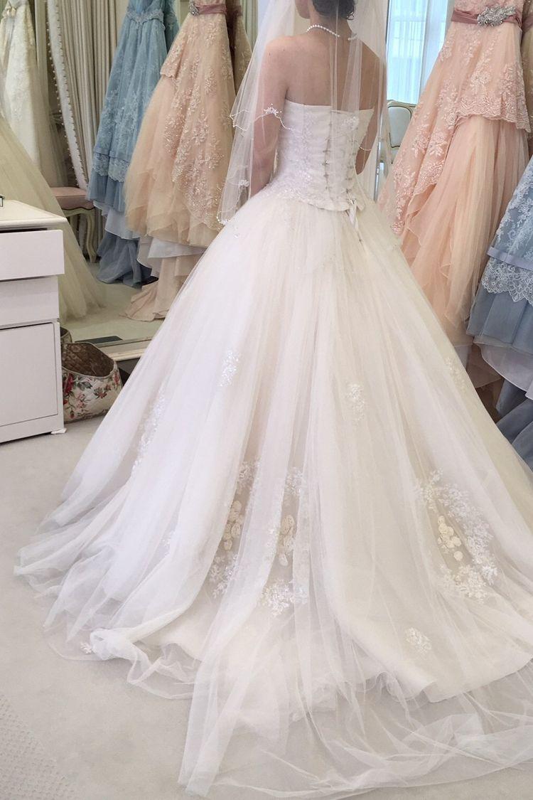 チュールのフワフワドレス