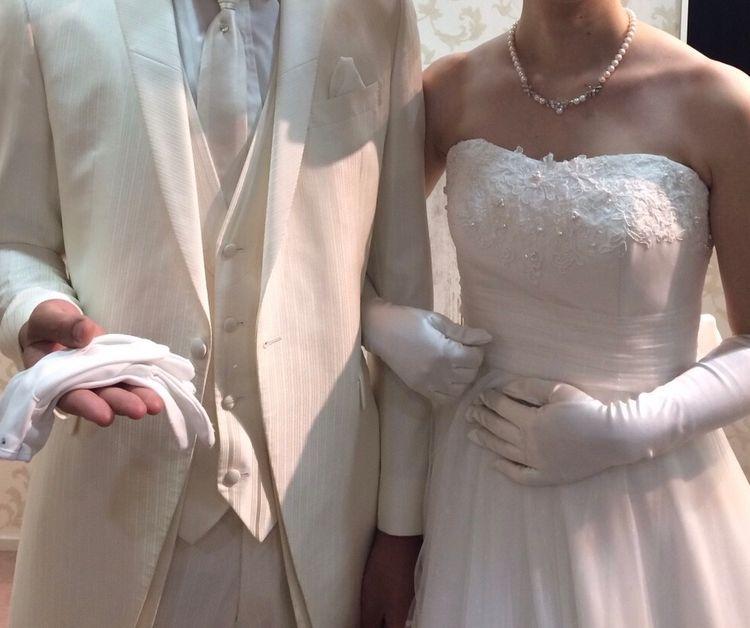 品のある刺繍とホワイト