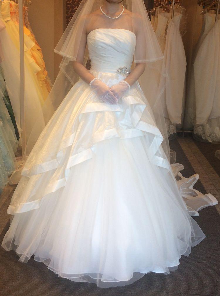 デザインが素敵なドレスです