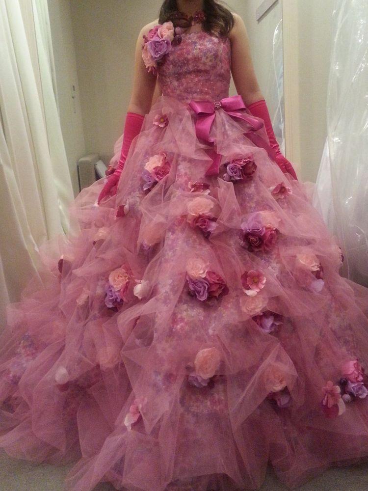 ピンクのお花たっぷりドレス