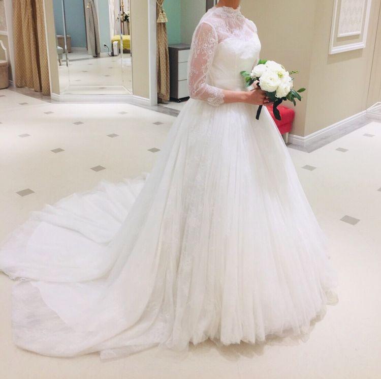 b3ac7c76c7833 チュールとレースが豪華なウエディングドレス」人気のある袖あり ...