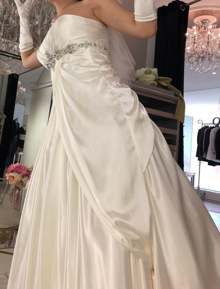 光沢が素晴らしいドレス