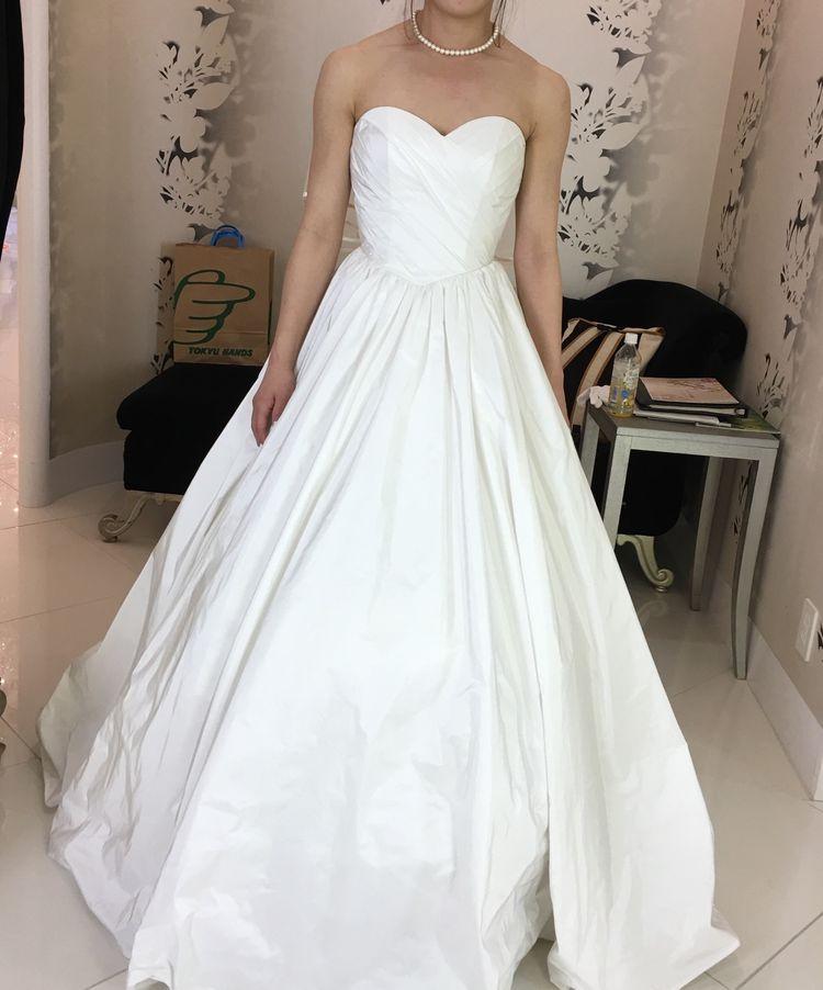 バックリボンが可愛い柔らかドレス