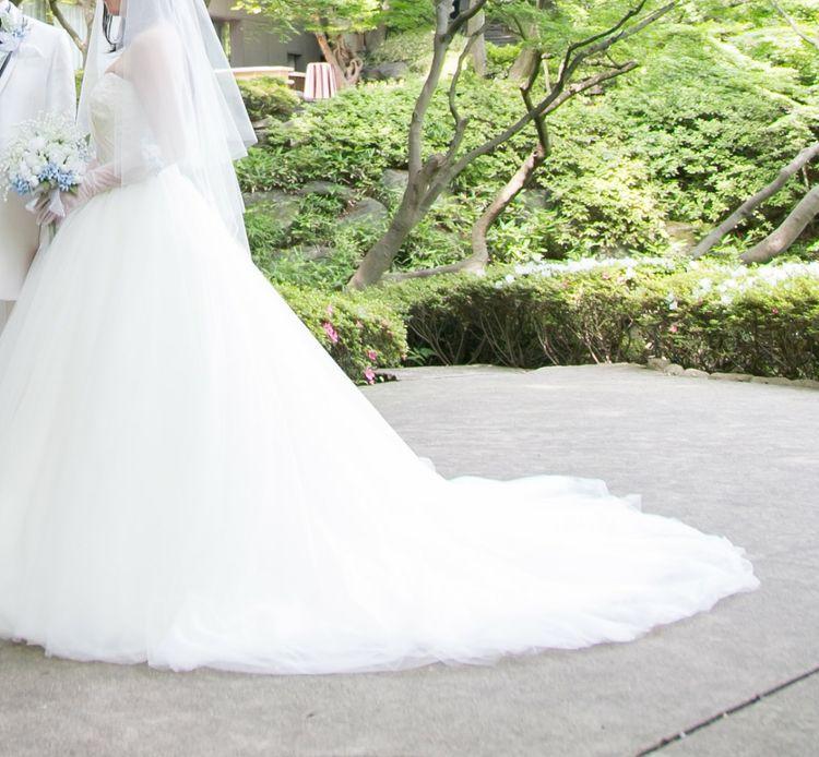 胸元ハートカットフレアウェディングドレス