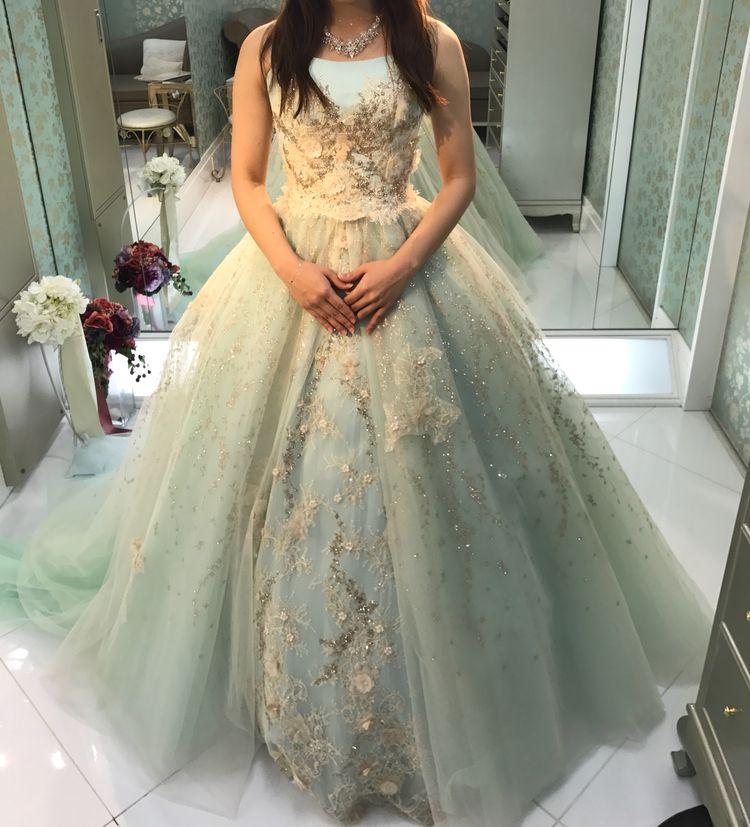 ラメラメのカラードレス