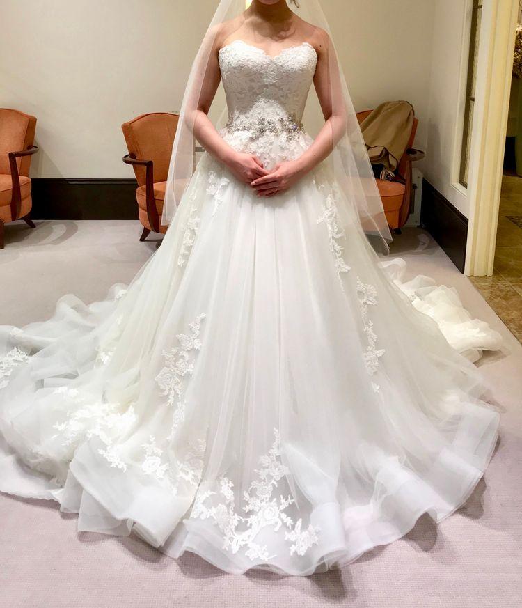 シルエットが綺麗なドレス