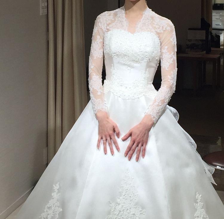 英皇室イメージのウェディングドレス