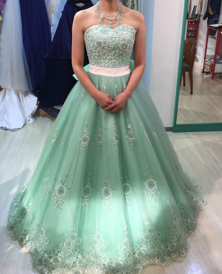優しい雰囲気のドレス