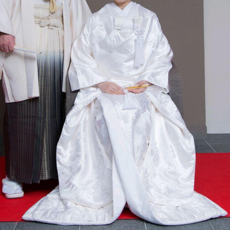 白さが際立つ、花嫁にぴったりの白無垢