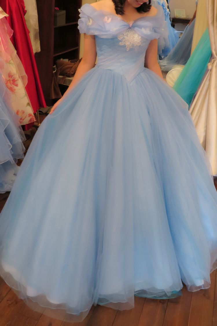 実写版シンデレラのようなドレス