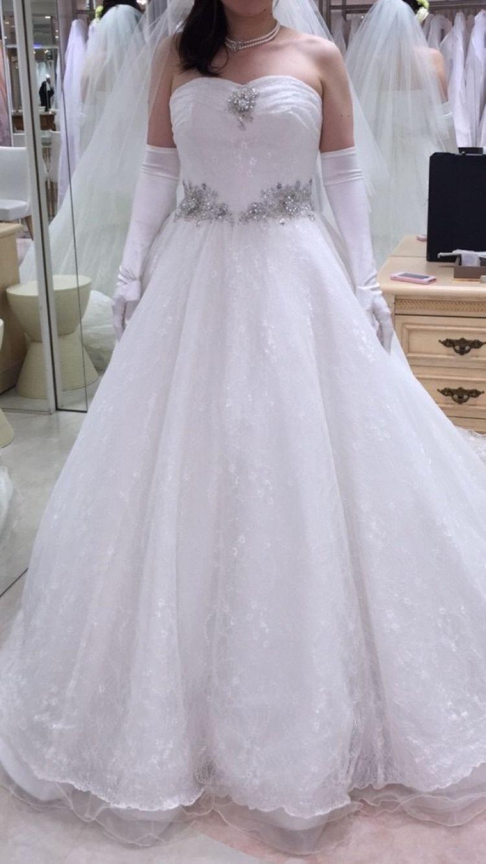 ビジューレースドレス