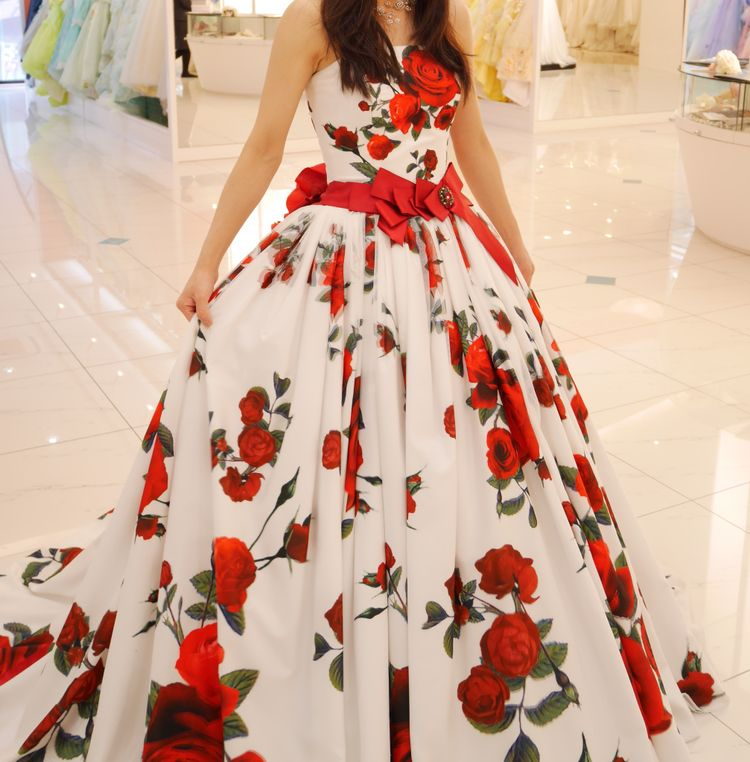 佐々木希プロデュースドレス