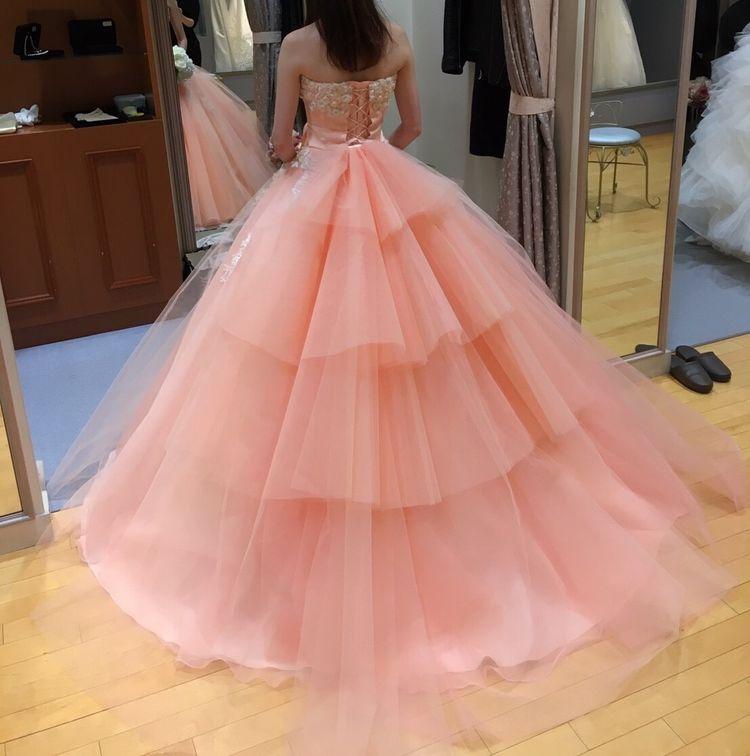 柔らかい色合いが綺麗なドレスです