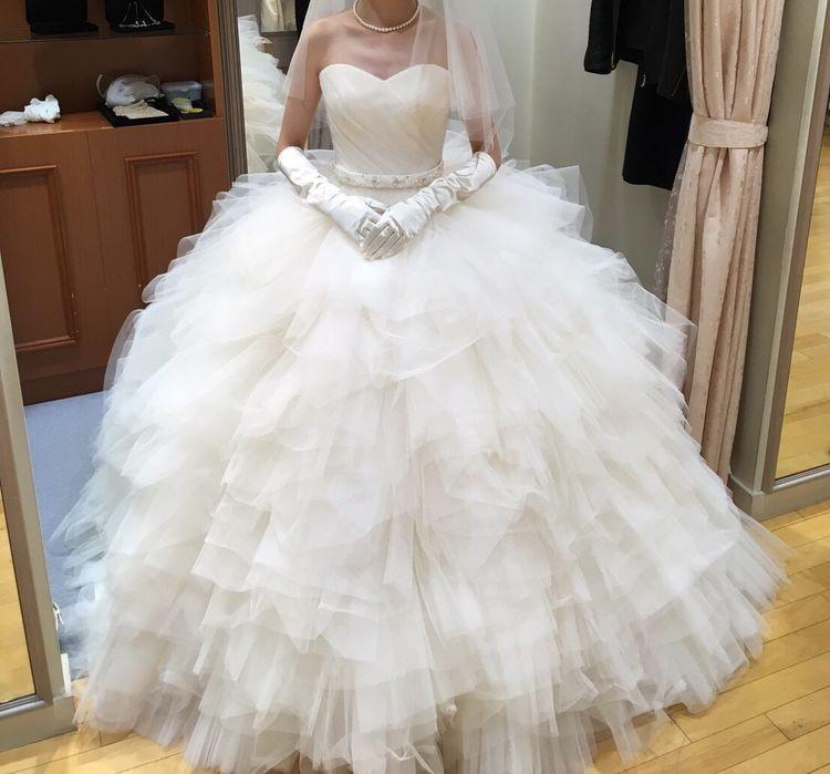 たっぷりボリューム感のあるウェディングドレス