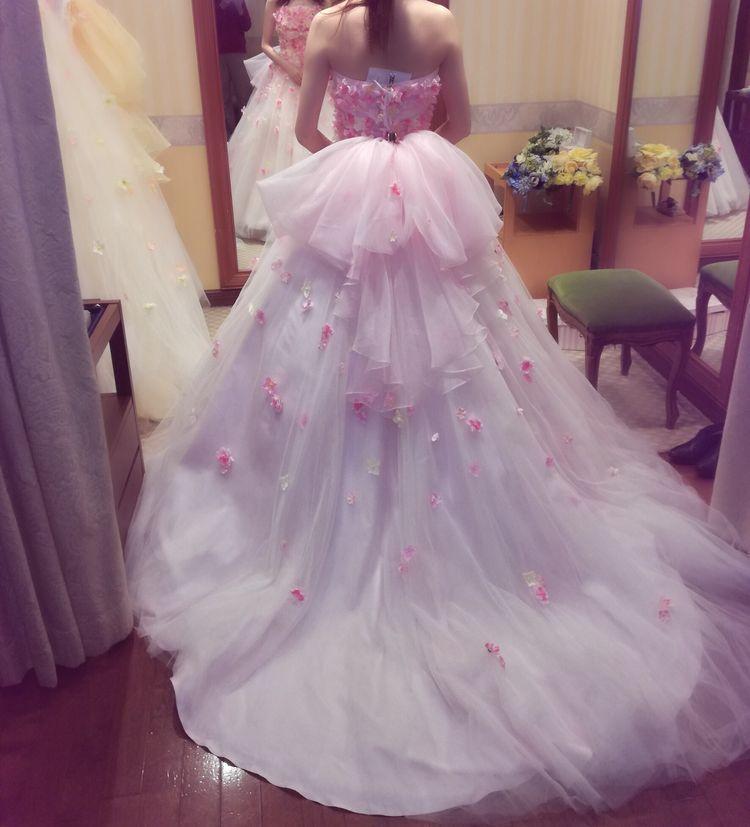 お花畑のようなドレス!
