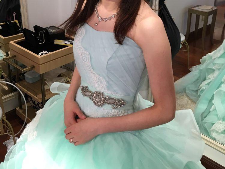 ティファニーブルーのドレス!