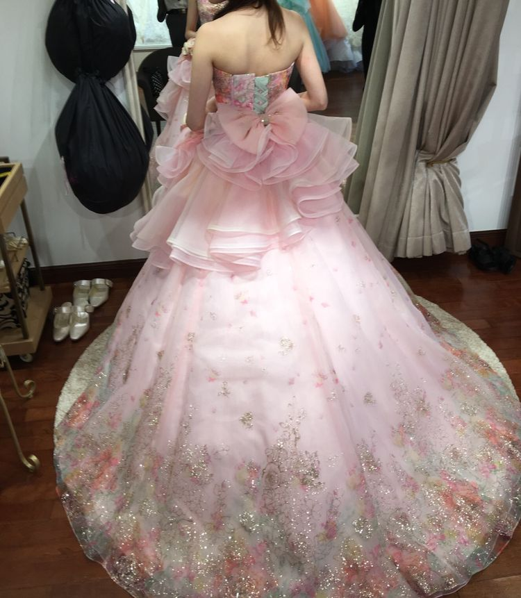 とても華やかで可愛らしいドレス!