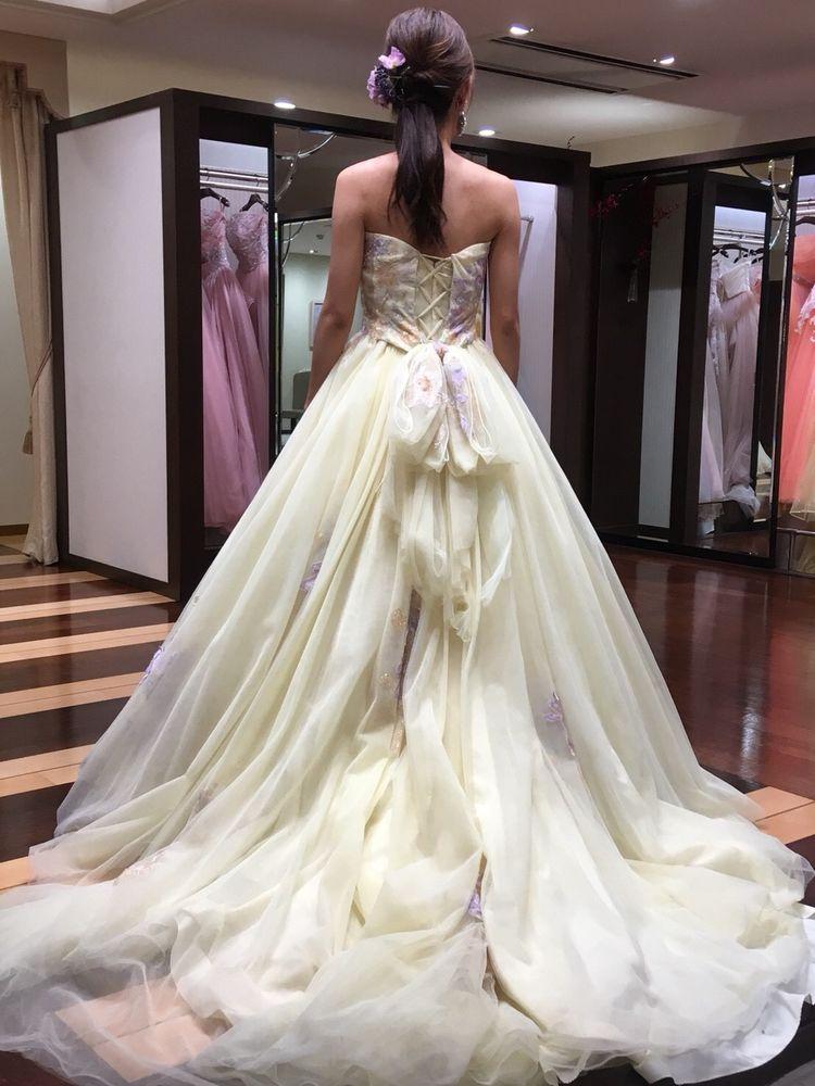 優しい印象のふわふわドレス